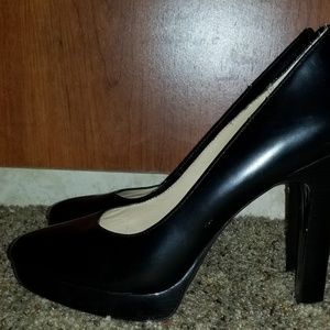 Michael Kors size 7M pumps